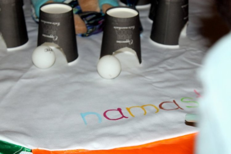 Kinderyoga Atemspiel Tischtennisball (2)