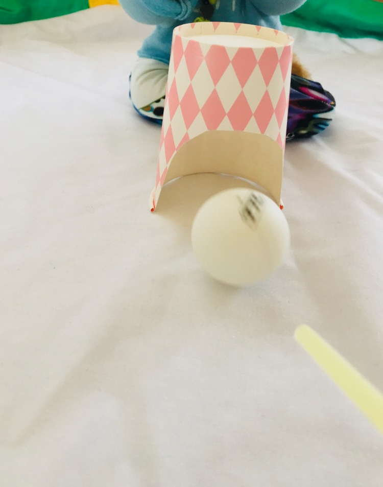 Kinderyoga Atemspiel Tischtennisball (3)